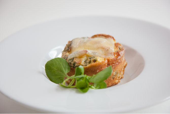 Омлет, приготовленный в духовке, с картофелем и травами