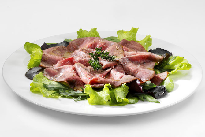 Roast beef with aromatic herbs