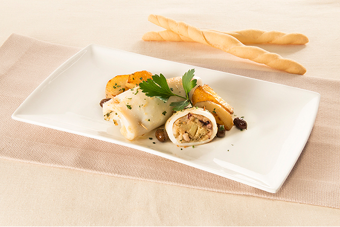 Squid stuffed with potatoes and olives